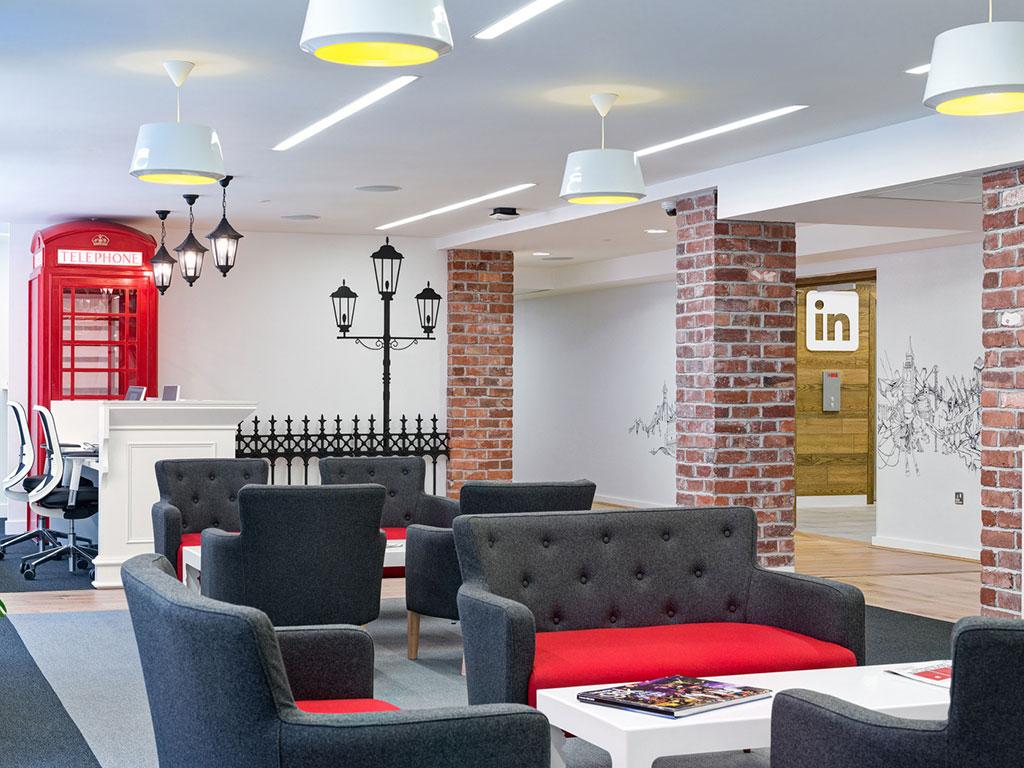 Linkedin Office London, Brick slips