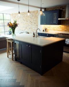 jenni falconer celebrity interior design kitchen aspect